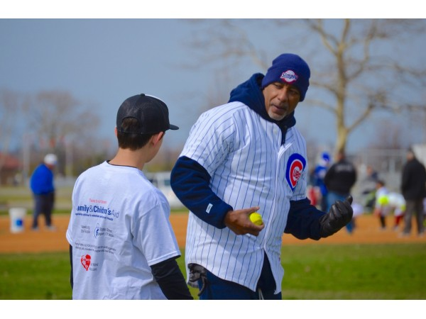 Angel Echevarria at the MLB Youth Clinic